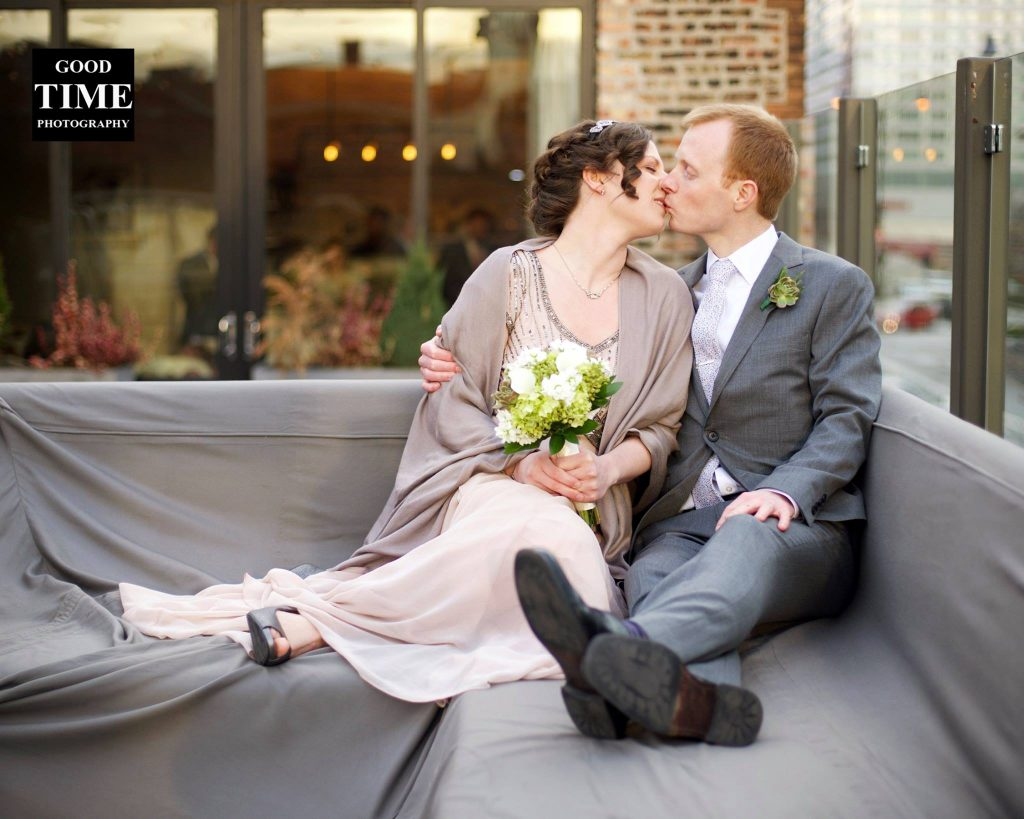 Wedding-Photo-Chicago-Kiss